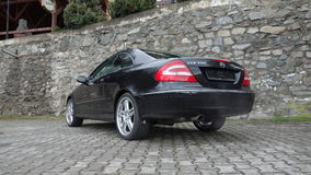 Cluj Napoca/Румыния 7-ое апреля 2017: Coupe Benz W209 Мерседес - год 2005, оборудование элегантности, колеса 19 дюймов, взгляд пр Стоковая Фотография RF