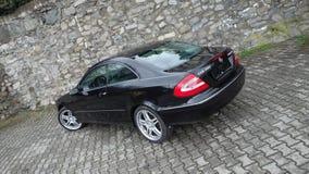 Cluj Napoca/Румыния 7-ое апреля 2017: Coupe Benz W209 Мерседес - год 2005, оборудование элегантности, колеса 19 дюймов, взгляд пр Стоковая Фотография