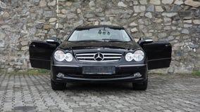 Cluj Napoca/Румыния 7-ое апреля 2017: Coupe Benz W209 Мерседес - год 2005, оборудование элегантности, колеса сплава 19 дюймов, дв Стоковые Изображения RF