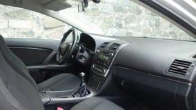 Cluj Napoca/Румыния - 9-ое мая 2017: Год 2010 Тойота Avensis-, полное оборудование варианта, фотосессия, сиденья водителя Стоковые Изображения RF