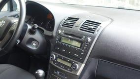 Cluj Napoca/Румыния - 9-ое мая 2017: Год 2010 Тойота Avensis-, полное оборудование варианта, фотосессия, сиденья водителя Стоковые Фотографии RF