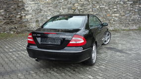 Cluj Napoca, kwiecień 7/, 2017: Mercedez Benz W209 Coupe - rok 2005, eleganci wyposażenie, Czarny kruszcowy, 19 calowych aliaży k Fotografia Stock