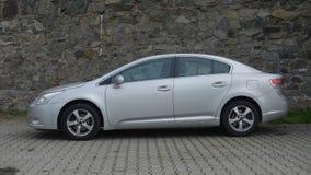 Cluj Napoca/Roemenië-mag 9, 2017: De de Sedanuitvoerende macht van Toyota Avensis - het jaar 2010, Faceliftmateriaal, verzilvert  Royalty-vrije Stock Afbeeldingen