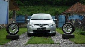 Cluj Napoca/Romênia 19 de junho de 2017: Executivo do carro com porta traseira de Toyota Auris - ano 2012, equipamento executivo  Imagens de Stock