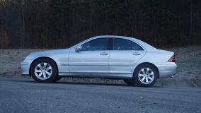 Cluj Napoca/Romênia 31 de março de 2017: Mercedes Benz W203 - ano 2005, equipamento da vanguarda, pintura metálica de prata Fotos de Stock