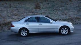 Cluj Napoca/Romênia 31 de março de 2017: Mercedes Benz W203 - ano 2005, equipamento da vanguarda, pintura metálica de prata Imagens de Stock Royalty Free