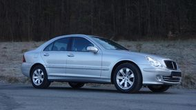 Cluj Napoca/Romania 31 marzo 2017: Mercedes Benz W203 - anno 2005, attrezzatura di avanguardia, pittura metallica d'argento Immagine Stock