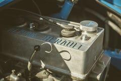 Cluj-Napoca, Romania - 24 settembre 2016 retro corsa di Klausenburg - retro motore dell'automobile sportiva di Renault Alpine A11 Immagine Stock