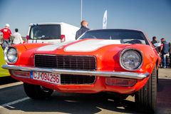 Cluj-Napoca Rumänien - 24 September 2016 Klausenburg Retro Racing - Chevrolet Camaro klassisk retro bil Royaltyfri Fotografi