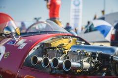 Cluj-Napoca Rumänien - 24 September 2016 Klausenburg Retro Racing - detalj för motor för slaglängd för tävlings- bil 4 för Stangu Royaltyfria Bilder