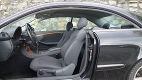 Cluj Napoca/Rumänien - September 19, 2016: Mercedes Benz W209- år 2005, elegansutrustning, svart metallisk målarfärg, fotoperiod  Arkivbild