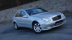 Cluj Napoca/Rumania 31 de marzo de 2017: Mercedes Benz W203 - año 2005, equipo de la vanguardia, pintura metálica de plata Foto de archivo