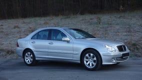 Cluj Napoca/Rumania 31 de marzo de 2017: Mercedes Benz W203 - año 2005, equipo de la vanguardia, pintura metálica de plata Imagen de archivo
