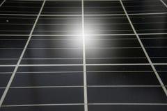 Célula solar, sol renovable de la energía eléctrica del panel voltáico de la foto de la energía solar Foto de archivo