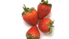 cluster van aardbeien 2 stock video