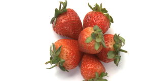 cluster van aardbeien stock video