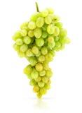 Cluster van groene druif die op wit wordt geïsoleerdw Royalty-vrije Stock Afbeeldingen