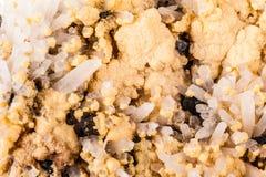 Cluster van zink-pyriet, sfaleriet en kwarts Royalty-vrije Stock Foto's