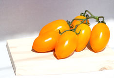 Cluster yellow tomato Royalty Free Stock Photography