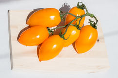 Cluster yellow tomato Royalty Free Stock Photos