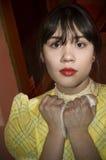 clutches den väntande kvinnan för näsduken Royaltyfria Bilder