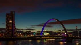 Clyde łuk, Glasgow - Błękitny godzina zmierzchu czasu upływ zbiory