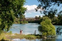 Clyde Bridge, Otago central Nueva Zelanda fotos de archivo