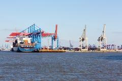 CMA CGM zbiornika statek w porcie Hamburg Zdjęcie Stock