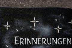 cmentarniana pamięci keepsake dekoracja obok grobowa zdjęcia stock