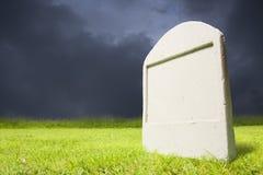 cmentarz ciemna noc Zdjęcia Stock