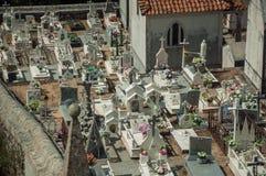 Cmentarz z crypts i marmur?w grobowami obraz stock