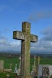 Cmentarz z kamieni krzyżami przy Cashel fotografia stock