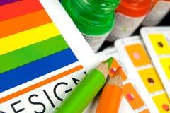 Cmyk Farbenstäbe auf gedruckt und Bleistifte Lizenzfreies Stockfoto