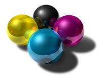 Cmyk kleurde weerspiegelende ballen Stock Afbeelding