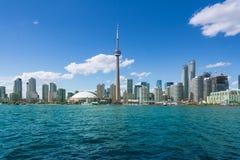 cn miejsca budowy skyline żaglówek Toronto pierwszoplanowy wieży Obrazy Royalty Free