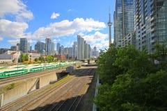 Cn-torn, kontorstorn och andelslägenheter i Toronto, Ontario, Kanada arkivfoto