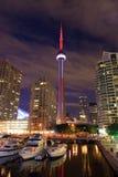 CN wierza Zaświecający przy nocą Obraz Royalty Free