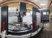 CNC μηχανή άλεσης Στοκ Φωτογραφία