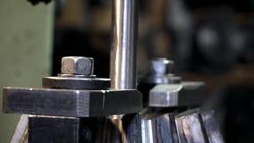 CNC μηχανή που επεξεργάζεται το μέταλλο στη μηχανή φιλμ μικρού μήκους