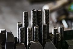 CNC Μπρίτζπορτ να τοποθετήσει επιτραπέζιων προσαρτημάτων μπουλόνι setscrews στοκ φωτογραφίες με δικαίωμα ελεύθερης χρήσης