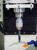 CNC υψηλής ακρίβειας μηχανή διατρήσεων για το μέρος υψηλής ακρίβειας Στοκ φωτογραφία με δικαίωμα ελεύθερης χρήσης