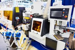 CNC automatico della macchina del edgebander immagine stock libera da diritti