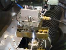 CNC de draad sneed delen van de machine de scherpe vorm Stock Foto