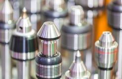 CNC die hulpmiddel en materiaal machinaal bewerken royalty-vrije stock foto's