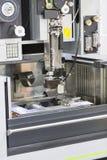 Cnc-Drahtschnitt-Maschinenausschnitt-Formteile Stockbild