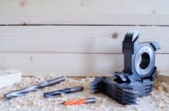 Cnc-Fingerfugenschneider für die Holzbearbeitung industriy lizenzfreie stockfotografie