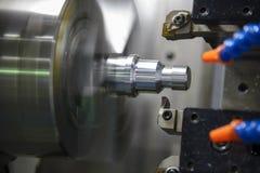 CNC kręcenia tokarski maszynowy maszynowy rozcięcie metal śruba Obraz Royalty Free