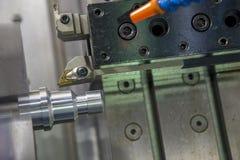 CNC kręcenia tokarski maszynowy maszynowy rozcięcie metal śruba Zdjęcie Royalty Free
