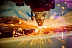 CNC Laserowy rozcięcie metal, nowożytna przemysłowa technologia fotografia stock