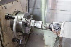 Cnc-Metallfräsmaschine - Drehbankprozesse lizenzfreie stockbilder